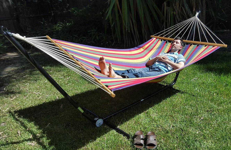exemplaire de hamac simple monter et au confort parfait salon de jardins. Black Bedroom Furniture Sets. Home Design Ideas