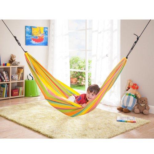 Pour la sieste dans la chambre un hamac enfant est parfait