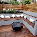 Banc de jardin angle design pour terrasse en bois