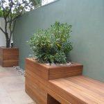 Banc de jardin design avec jardiniere de chaque cote