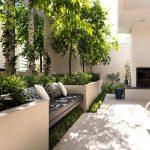 Banc de jardin design plastique resine integre dans elements de jardiniere