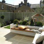 Banc de jardin design pour belle terrasse melange de matiere