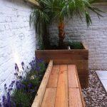Banc de jardin en bois pour petite terrasse