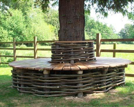 Banc de jardin en bois tout autour d un arbre Salon de Jardins