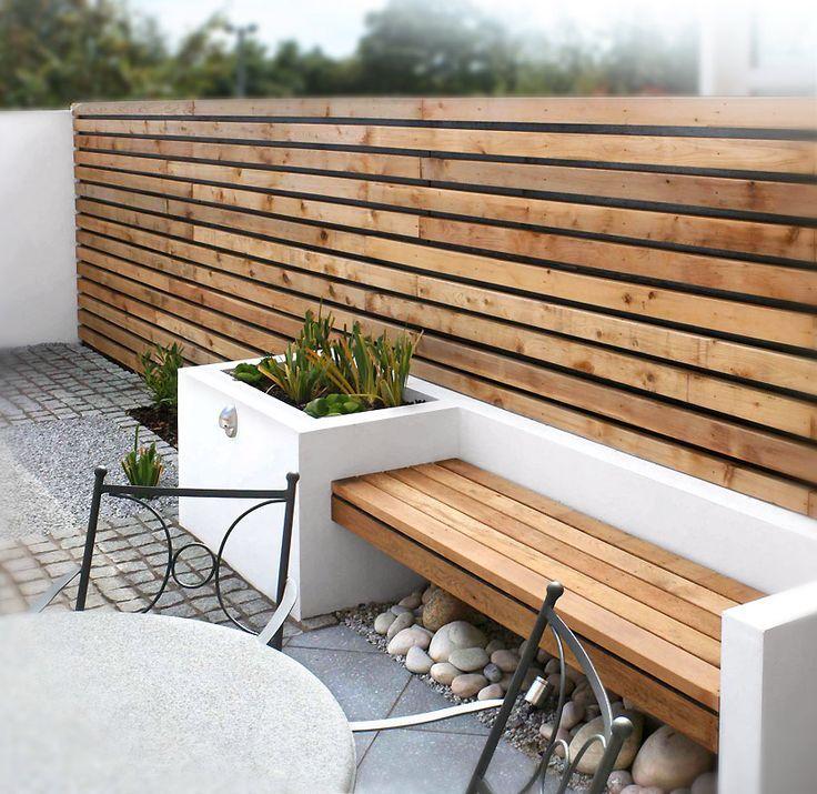Banc de jardin structure en blanc avec belles lattes de bois miel