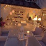 Exemple d eclairage exterieur pour ambiance romantique couleurs epurees