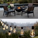 Lumiere exterieure avec guirlandes d ampoules design pour terrasse