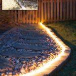Mise en valeur par lumiere exterieure d une allee