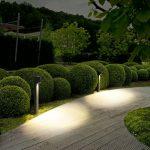 Piliers design pour eclairage led maison exterieur sur allee