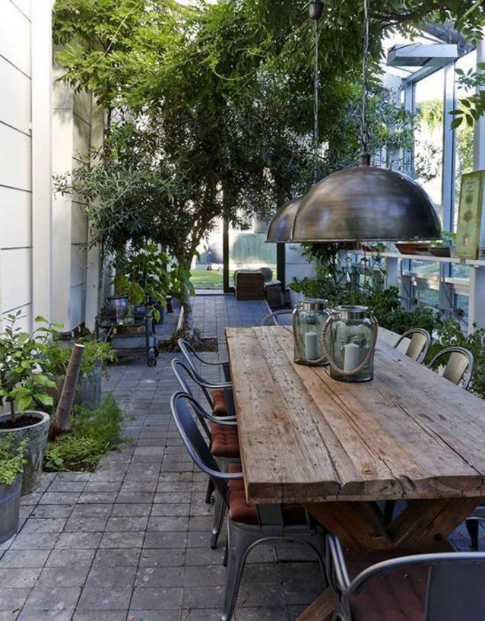 Table de jardin design industriel bois massif et chaises en ...