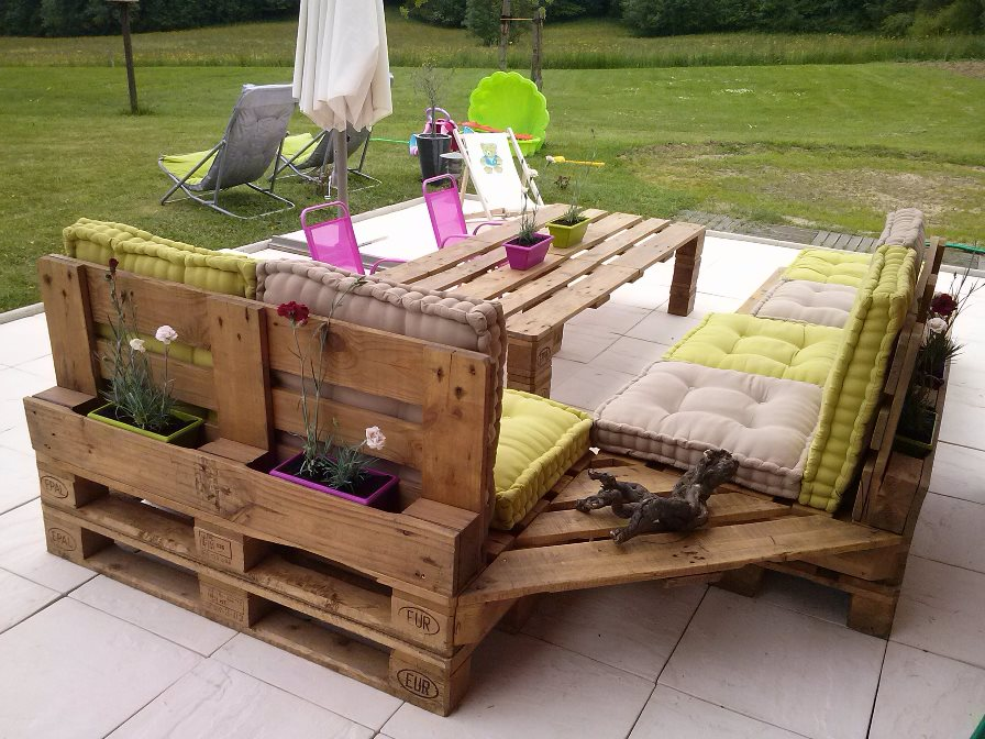 Table de jardin design recup palette - Salon de Jardins
