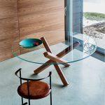 Table de jardin ronde tres design dessus verre et pieds en bois