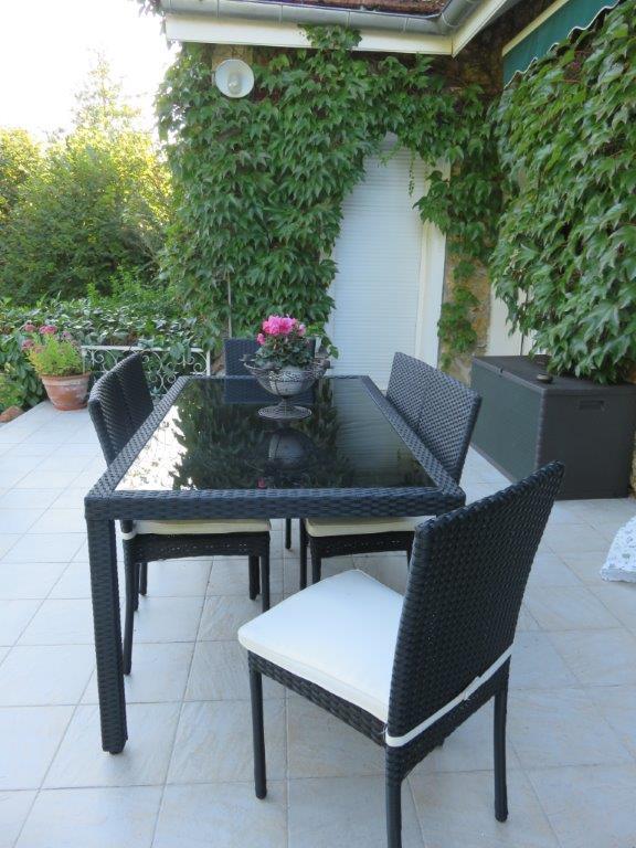 table exterieure resine avec dessus de table en verre et. Black Bedroom Furniture Sets. Home Design Ideas