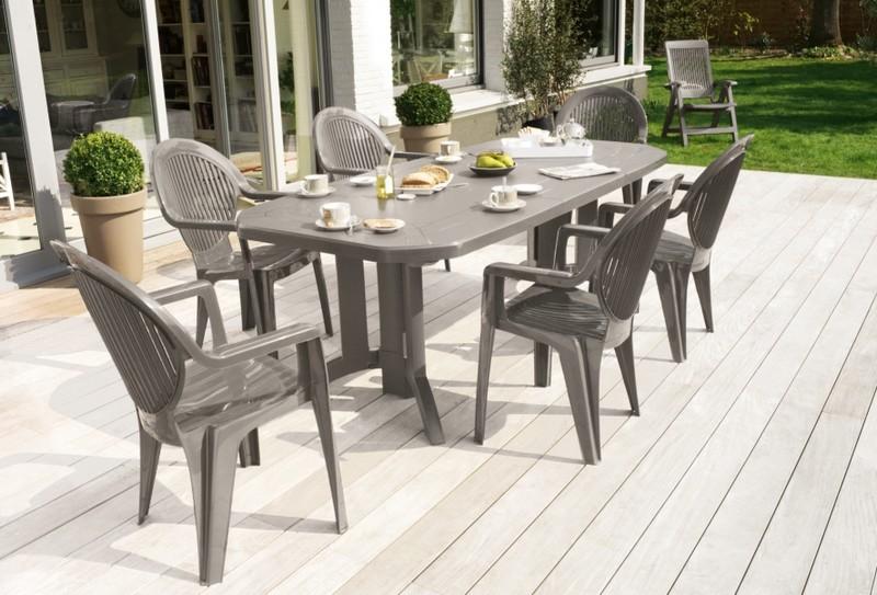 Table pour exterieur en plastique design effet tressse pour 8 personnes