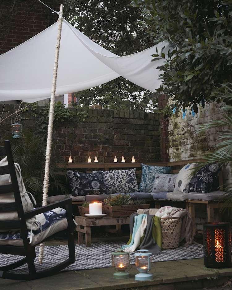 Toile blanche tendue mate triangulaire pour terrasse