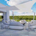 Toile rectangulaire couleur blanche et grise tendue pour terrasse