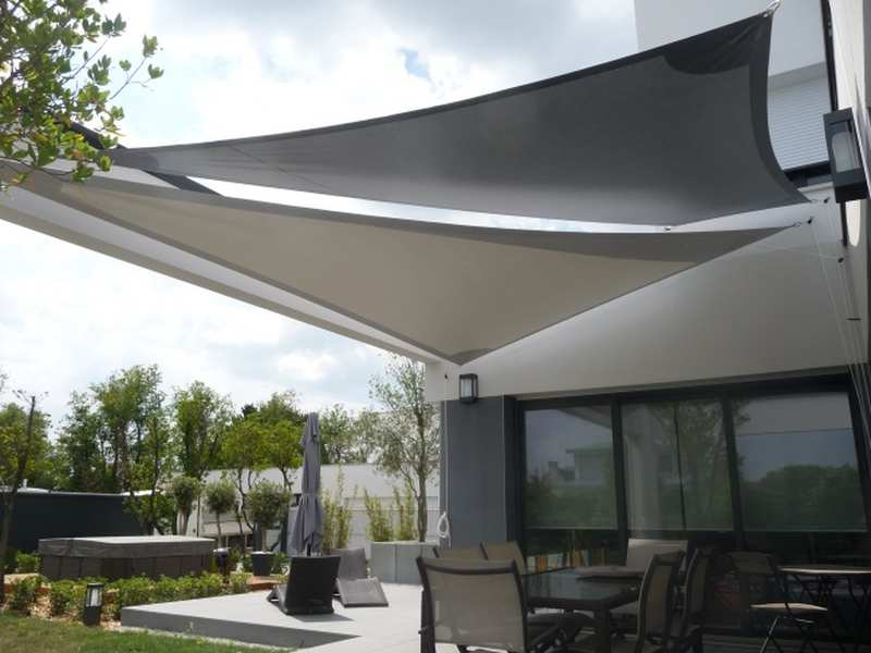 Voile d ombrage australienne gris anthracite formant carre
