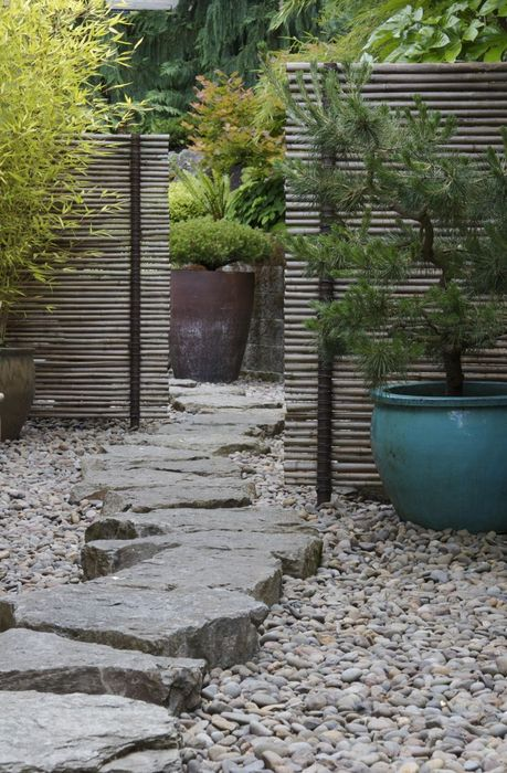 La pierre comme base de jardin japonais
